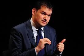 Upsss……prefectii si subprefectii devin membrii de partid cu acte in regula. Statutul votat in 2018 de Parlamentul Romaniei da acest drept.