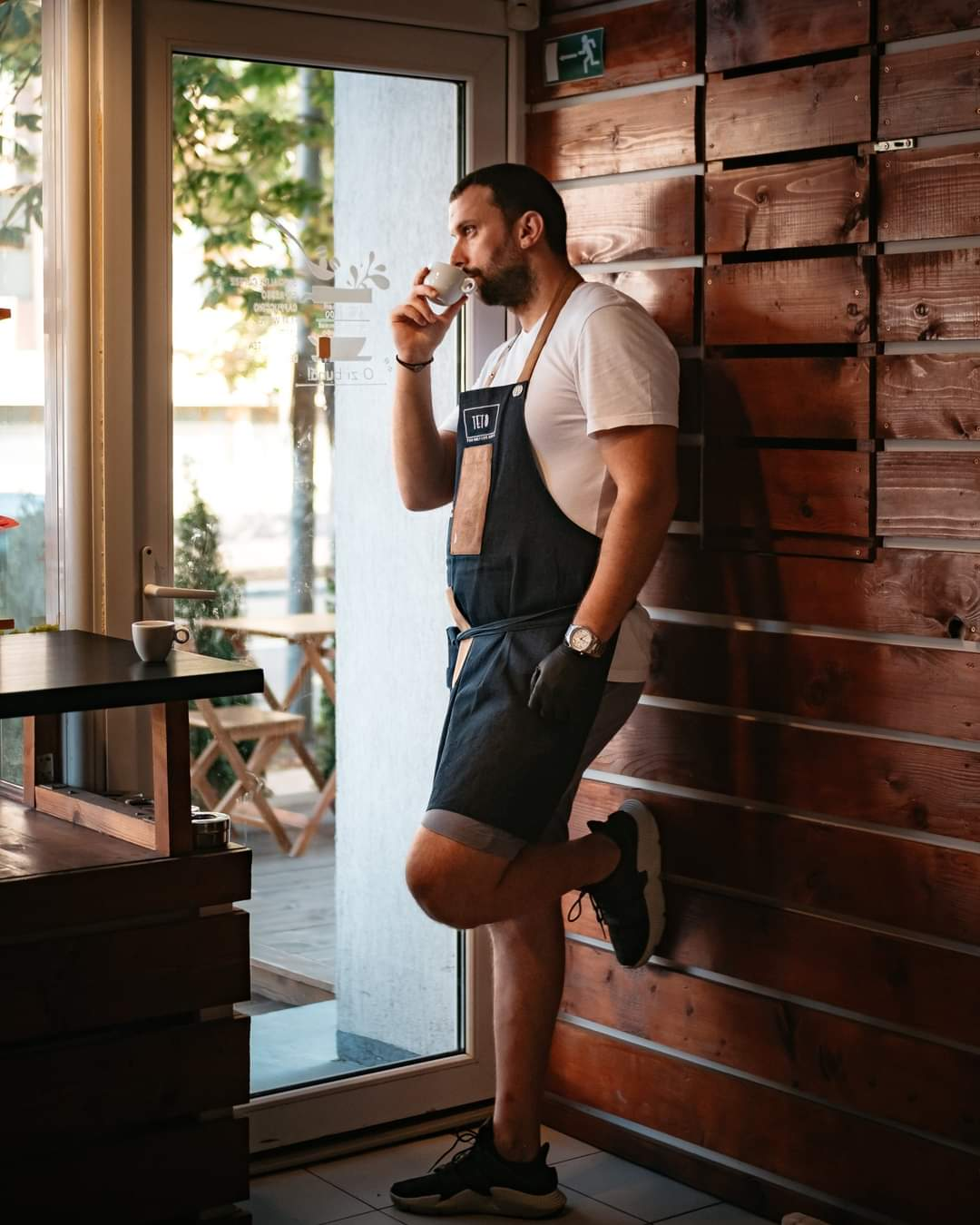 Azi la ''AFACEREA DE DUMINICA'' discutam cu Madalin Moroianu omul din spatele cafenelelor Magnolia si Moro!!