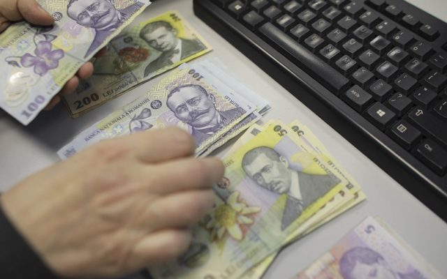 Miza uriașă de la Apele Române, unde sunt angajați clienții de partid: buget de salarii de 630 de milioane de lei anual.