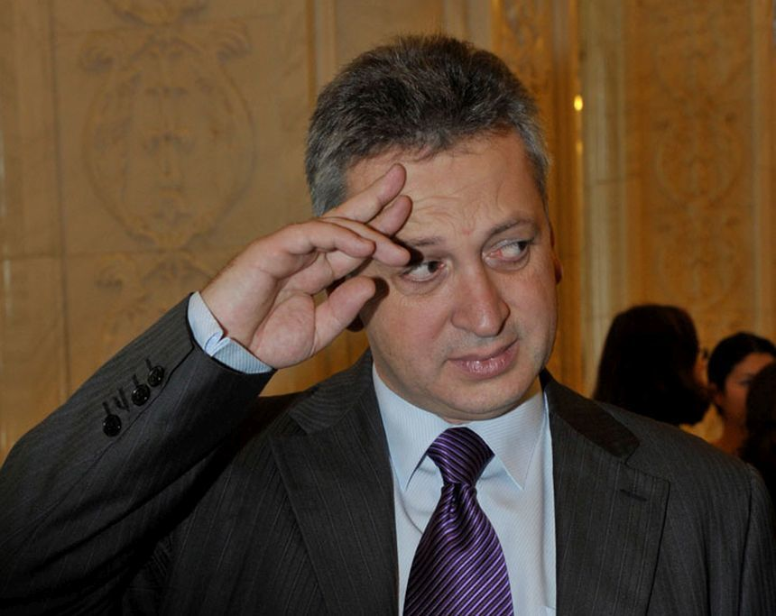 Centrul de Investigații Media: Cum a reușit fostul ministru PNL Relu Fenechiu să nu dea înapoi statului nimic din prejudiciul de 2 milioane de euro, în timp ce firma soției oferă consultanță statului de peste 700.000 de euro