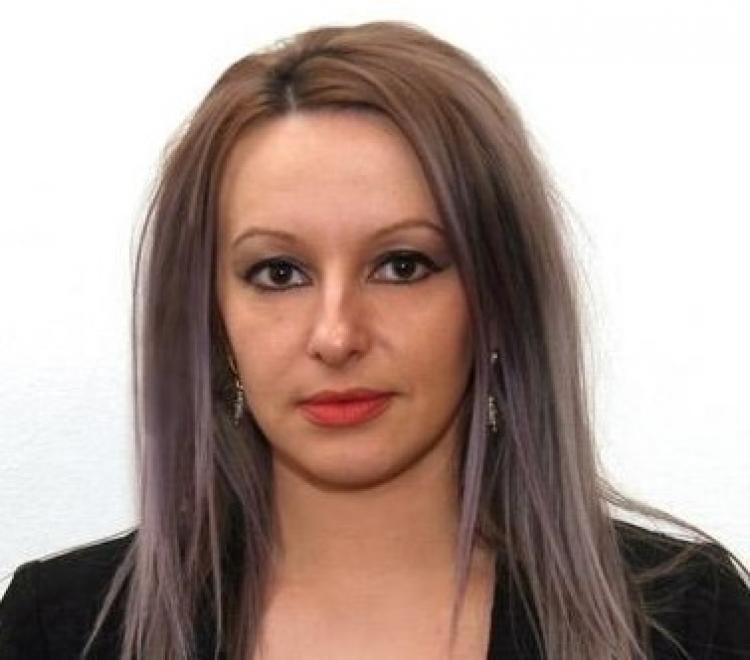 'Blonda lui Boc', Stefania Gabriella Ferencz 'furată' de Bode, a rupt norma! Peste 10.000 de euro pe lună, pentru secretara MAI!
