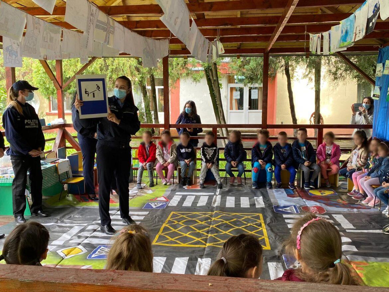 Polițiști din cadrul Biroului Siguranța Școlară au organizat o activitate preventivă la Grădiniţa cu Program Prelungit Bobocei Buzău